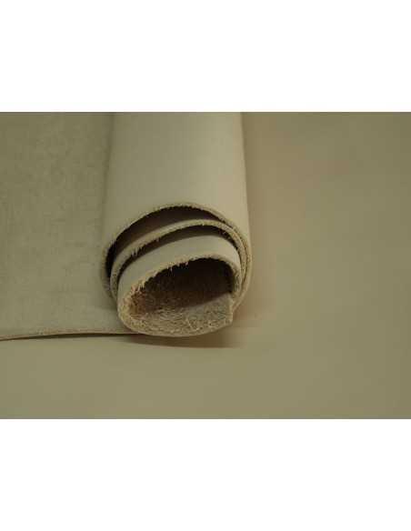 Napa ternera en tono Triana ideal para realizar  todo tipo de artículos de piel