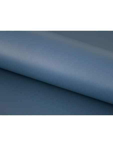 El Azul Azafata de esta piel lisa es ideal para acabados elegantes