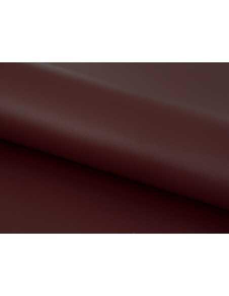 Piel de alta calidad en tono Burdeos con acabado elegante y natural
