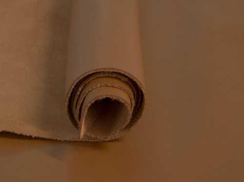 Color Cuero, uno de los tonos más usados por su versatilidad en la fabricación en piel