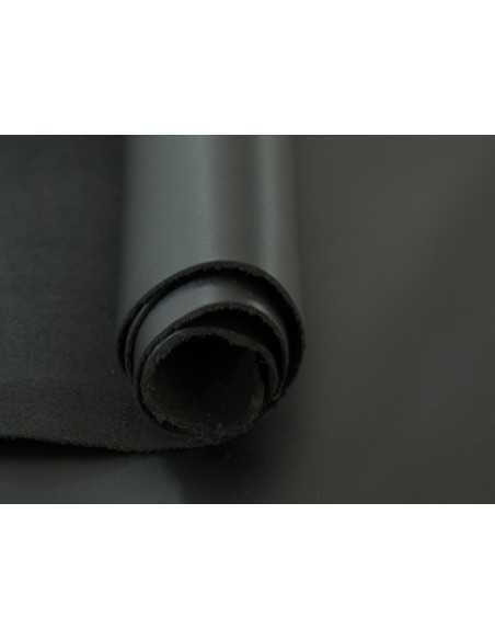 Napa Lisa en color Negro con tacto suave y refinado