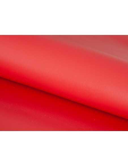 Color Rojo de piel vacuno con un acabado liso y suave