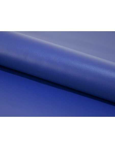 Color Azulón de cuero vacuno liso con poro natural y acabado uniforme