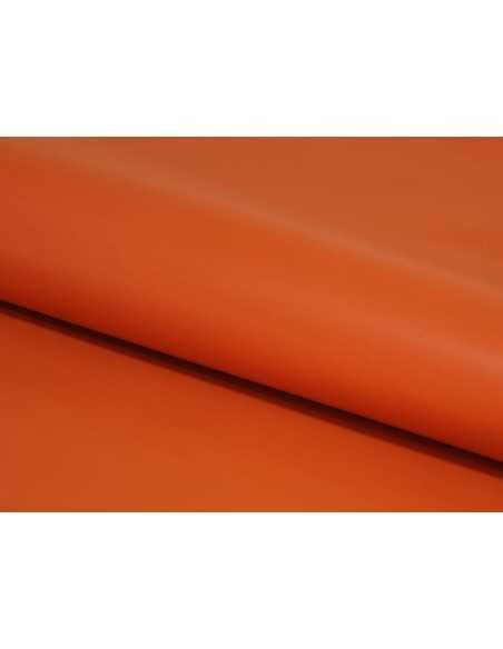 Color Naranja en piel de vaca para confeccionar productos de larga duración y resistencia