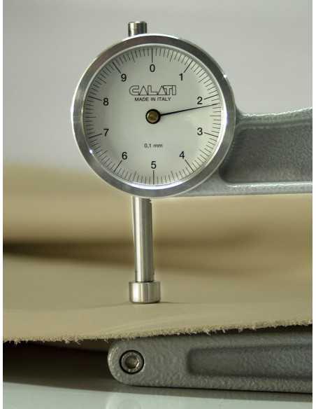 Piel con un grosor de 2.0 a 2.4 mm resistente y a la vez flexible