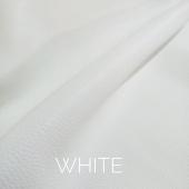 White leather. www.curtidosmenacho.com #fullgrainleather #leatherpurse #leathergoods #craftsman #qualityleather #handmade #springleathercolors #spanishleather